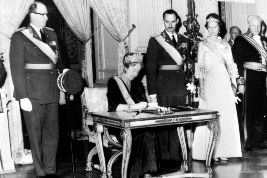 Le grand-duc Jean de Luxembourg, le jour de l'abdication de sa mère à son profit, le 12 novembre 1964