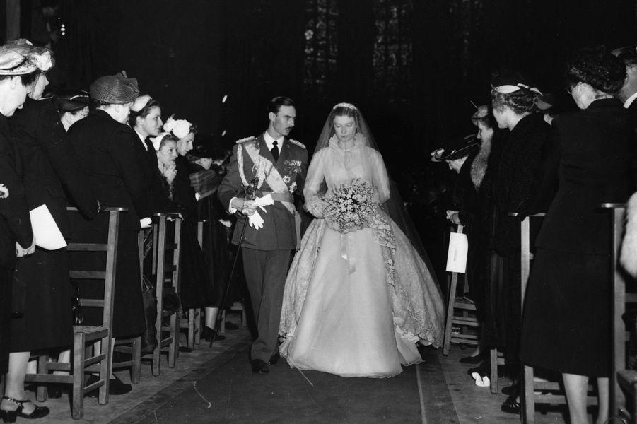 Le prince Jean de Luxembourg et la princesse Joséphine-Charlotte de Belgique le jour de leur mariage, le 9 avril 1953