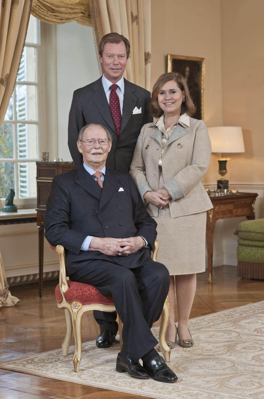 L'ex-grand-duc Jean de Luxembourg avec le grand-duc Henri et la grande-duchesse Maria Teresa, le 29 novembre 2010