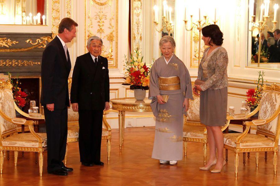 La princesse Alexandra et le grand-duc Henri de Luxembourg avec le couple impérial du Japon à Tokyo, le 29 novembre 2017