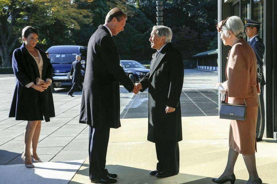 La princesse Alexandra et le grand-duc Henri de Luxembourg avec l'empereur Akihito et l'impératrice Michiko du Japon à Tokyo, le 27 novembre 2017