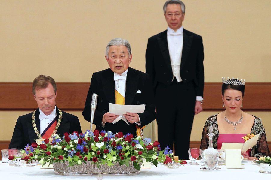 La princesse Alexandra et le grand-duc Henri de Luxembourg avec l'empereur du Japon Akihito à Tokyo, le 27 novembre 2017