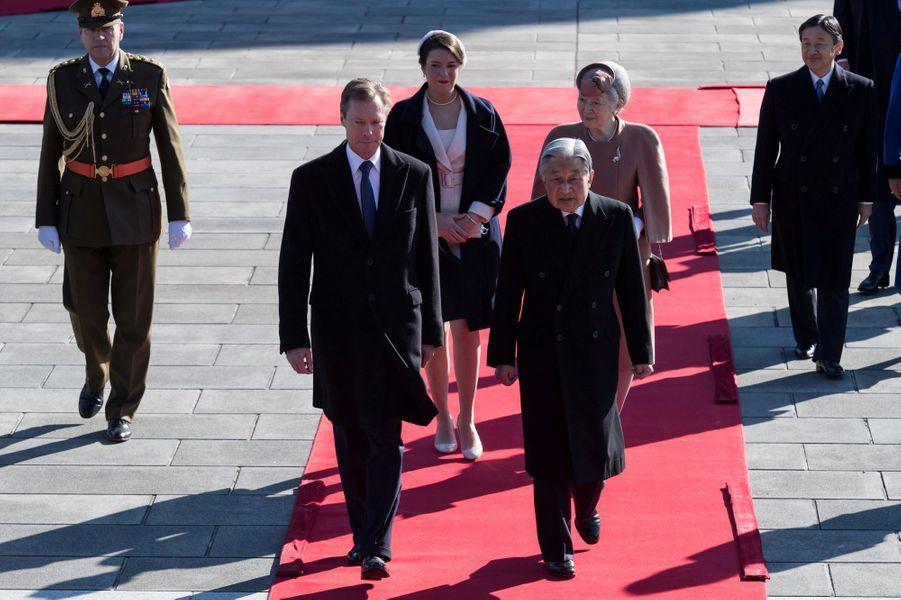 La princesse Alexandra et le grand-duc Henri de Luxembourg avec le couple impérial du Japon et le prince Naruhito à Tokyo, le 27 novembre 2017