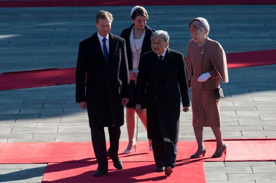 La princesse Alexandra et le grand-duc Henri de Luxembourg avec l'empereur du Japon Akihito et l'impératrice Michiko à Tokyo, le 27 novembre 2017
