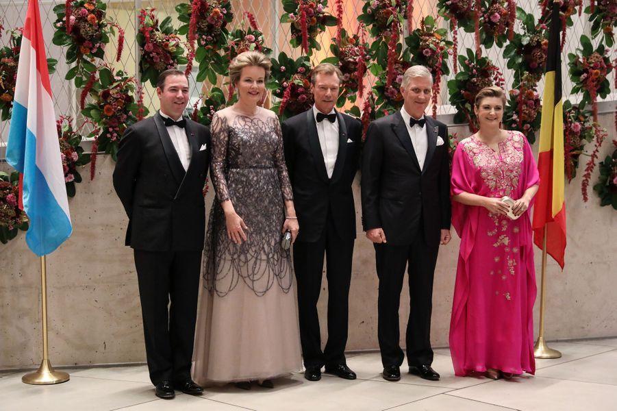 Le grand-duc Henri, le prince Guillaume et la princesse Stéphanie de Luxembourg avec la reine Mathilde et le roi des Belges Philippe à Luxembourg, le 16 octobre 2019