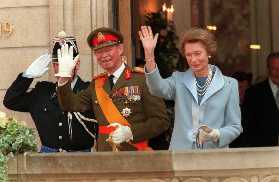 L'ex-grand-duc Jean et l'ex-grande-duchesse Joséphine-Charlotte de Luxembourg, à Luxembourg le 7 octobre 2020