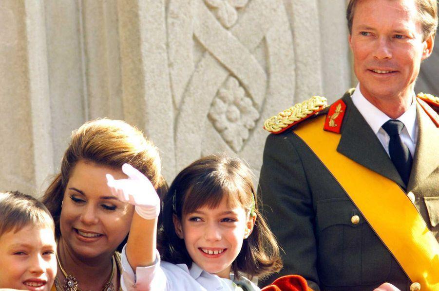 La grande-duchesse Maria Teresa et le grand-duc Henri de Luxembourg avec le prince Sébastien et la princesse Alexandra, le 7 octobre 2000