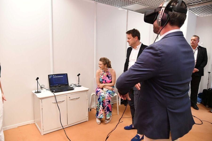 La princesse Stéphanie et le prince Guillaume de Luxembourg avec Xavier Bettel à Cannes, le 18 mai 2017