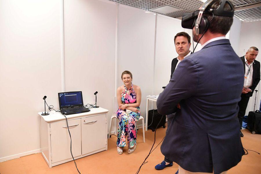 Guillaume et Stéphanie de Luxembourg avec Xavier Bettel à Cannes, le 18 mai 2017
