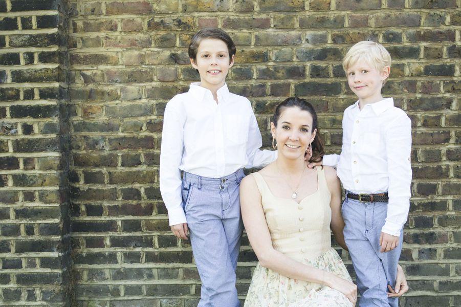 La princesse Tessy du Luxembourg avec ses deux fils, les princes Gabriel et Noah, en 2015