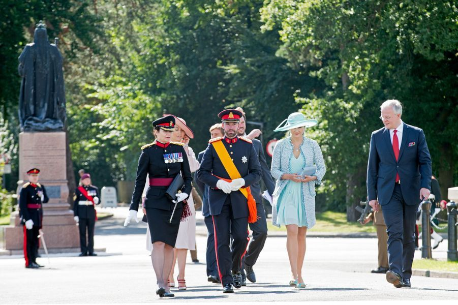 Le grand-duc héritier Guillaume de Luxembourg et son épouse la princesse Stéphanie à Sandhurst, le 11 août 2017