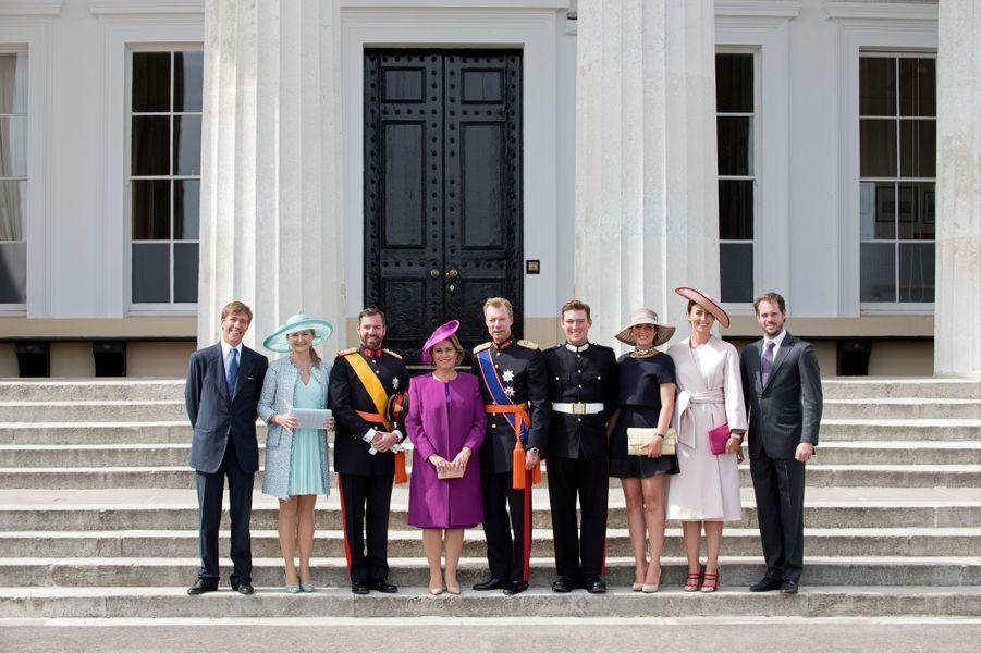 Le prince Sébastien de Luxembourg entouré de la famille grand-ducale à Sandhurst, le 11 août 2017