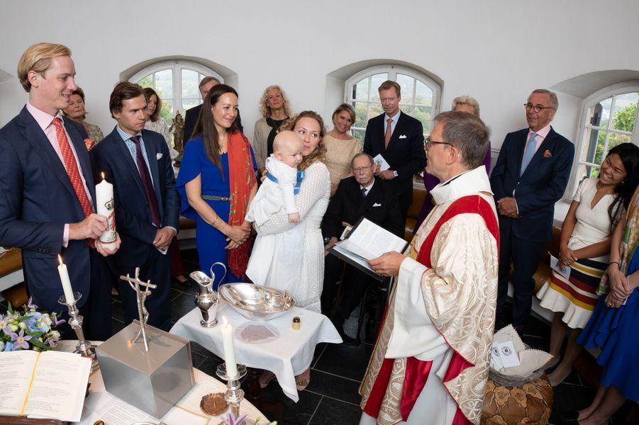 La grande-duchesse Maria-Teresa et le grand-duc Henri de Luxembourg au baptême de Zeno, fils de la princesse Marie-Gabrielle de Nassau et d'Antonius Willms, à Luxembourg le 21 septembre 2018