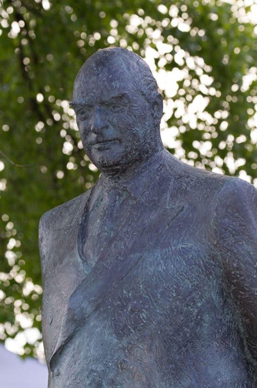 Détail du monument d'Olav V à Oslo le 7 juin 2015