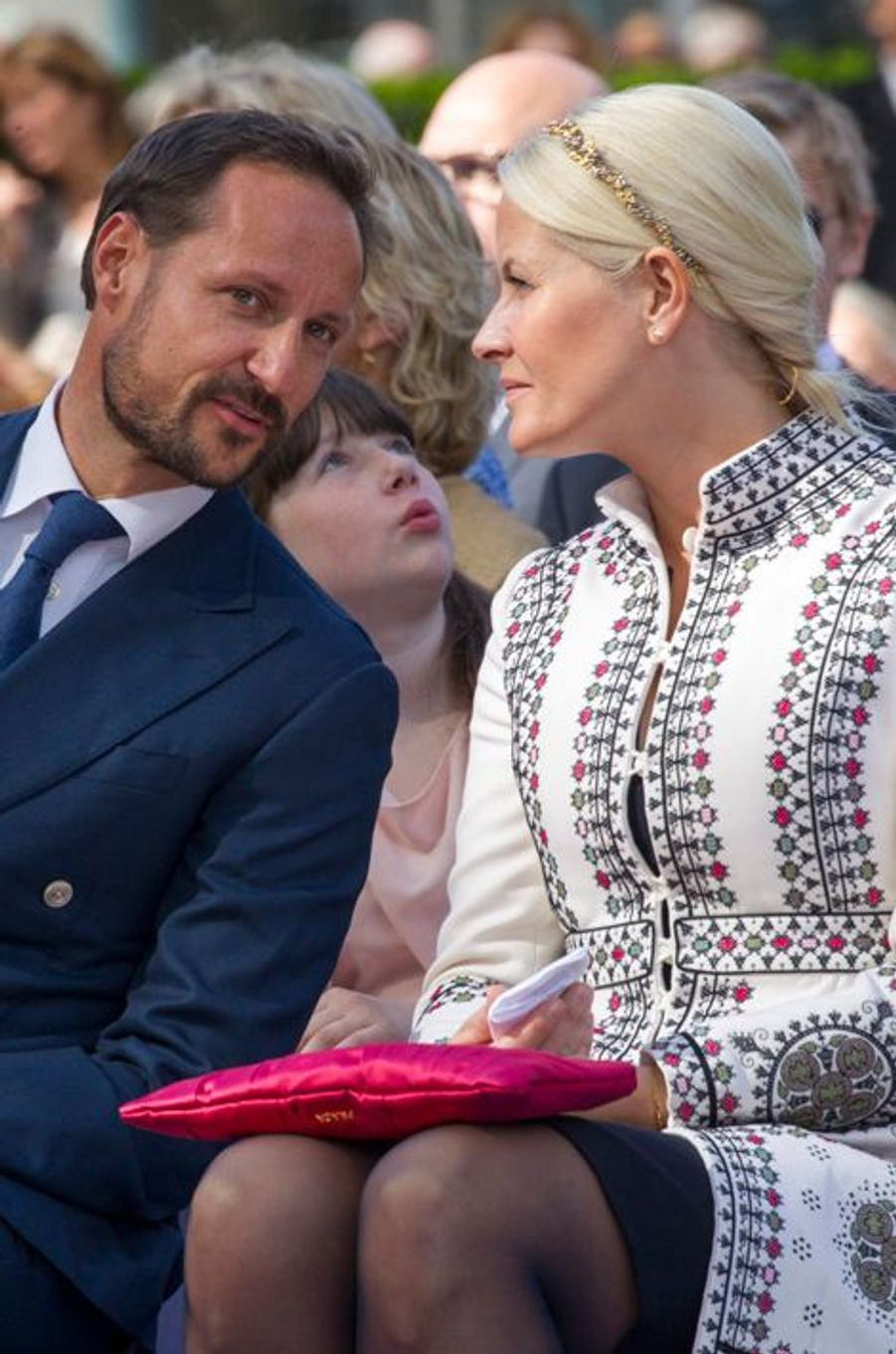 La princesse Mette-Marit et le prince Haakon de Norvège à Oslo, le 7 juin 2015