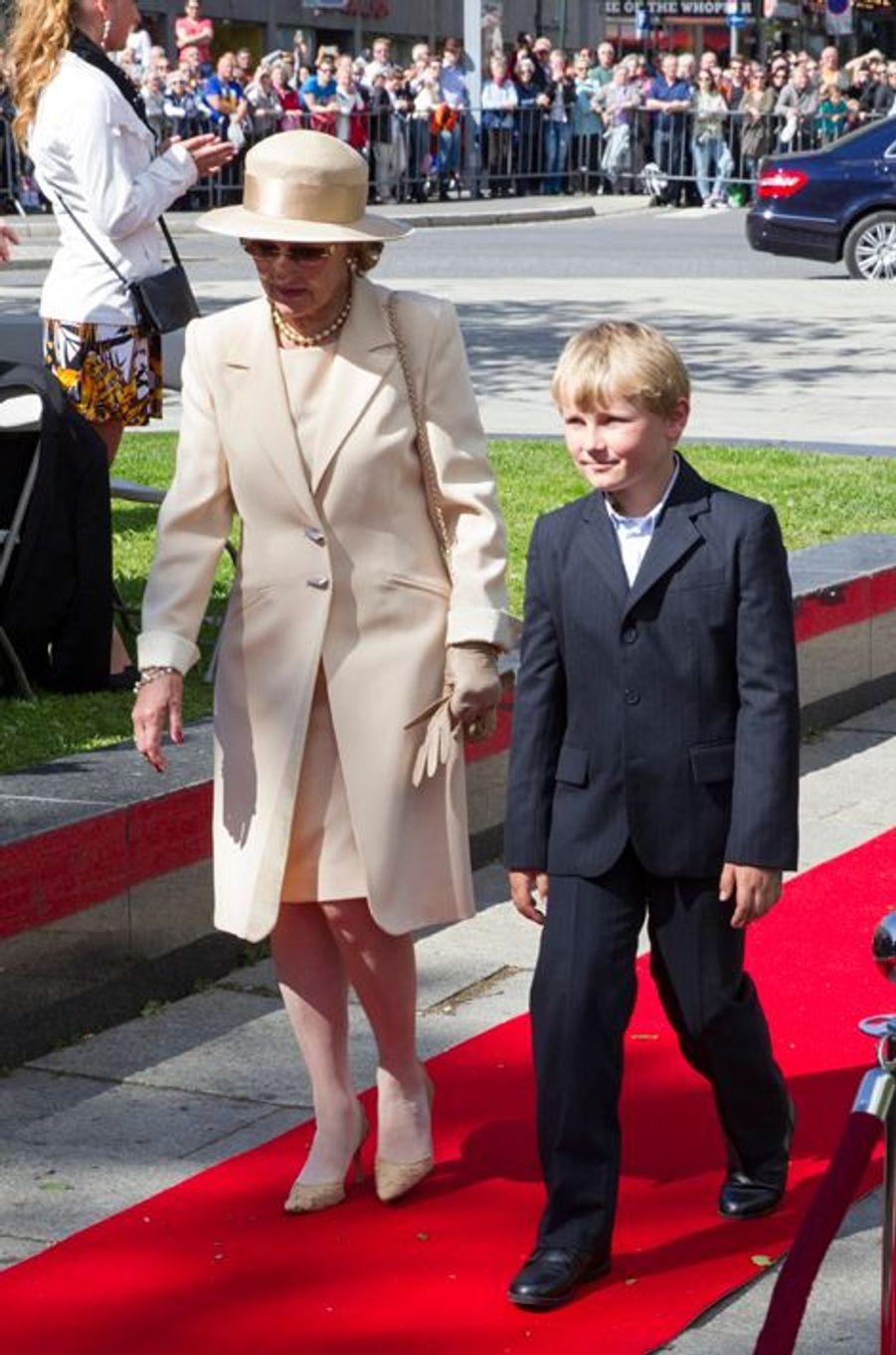 La reine Sonja de Norvège et le prince Sverre-Magnus à Oslo, le 7 juin 2015