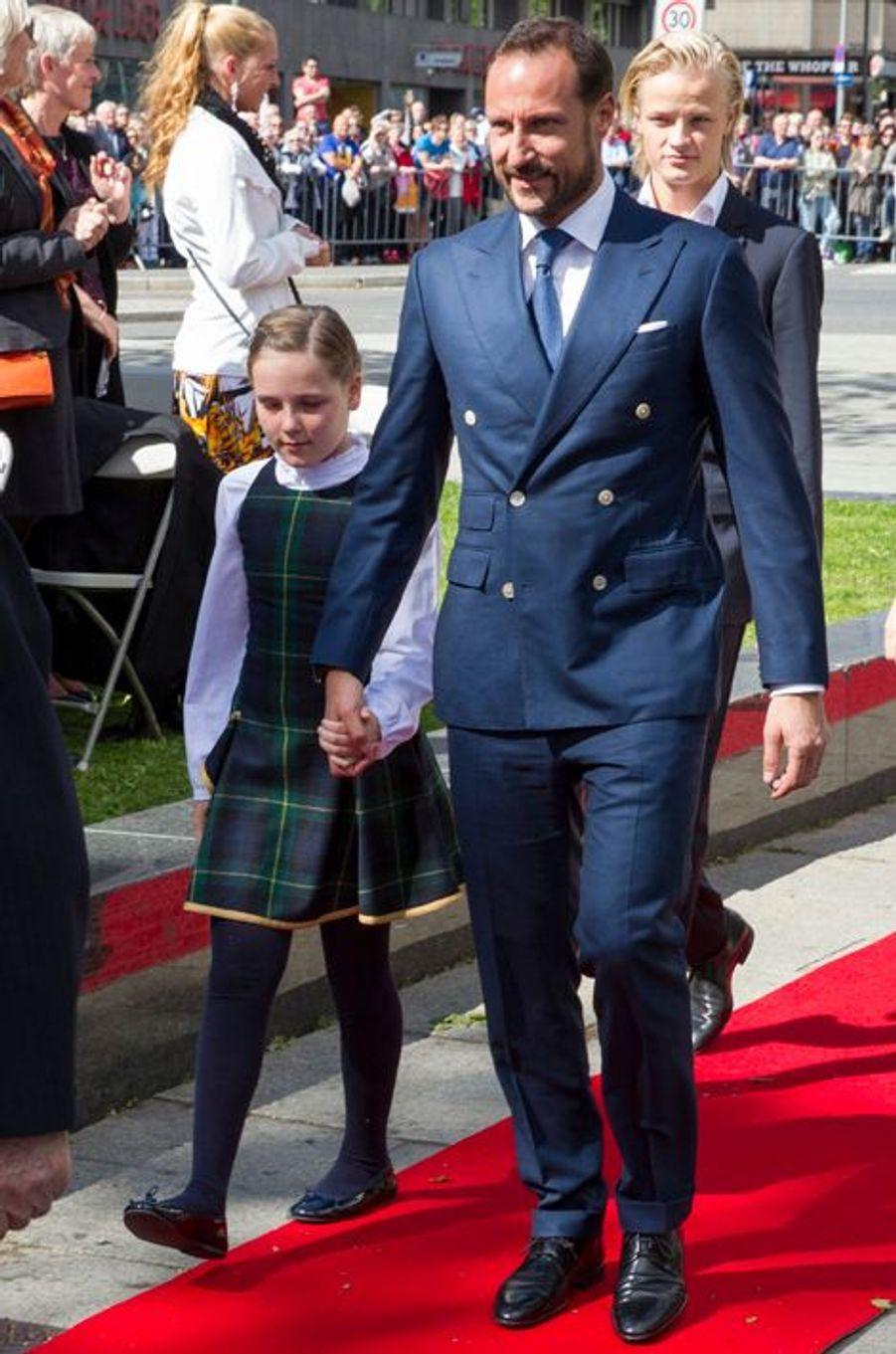 Le prince Haakon et la princesse Ingrid-Alexandra de Norvège à Oslo, le 7 juin 2015