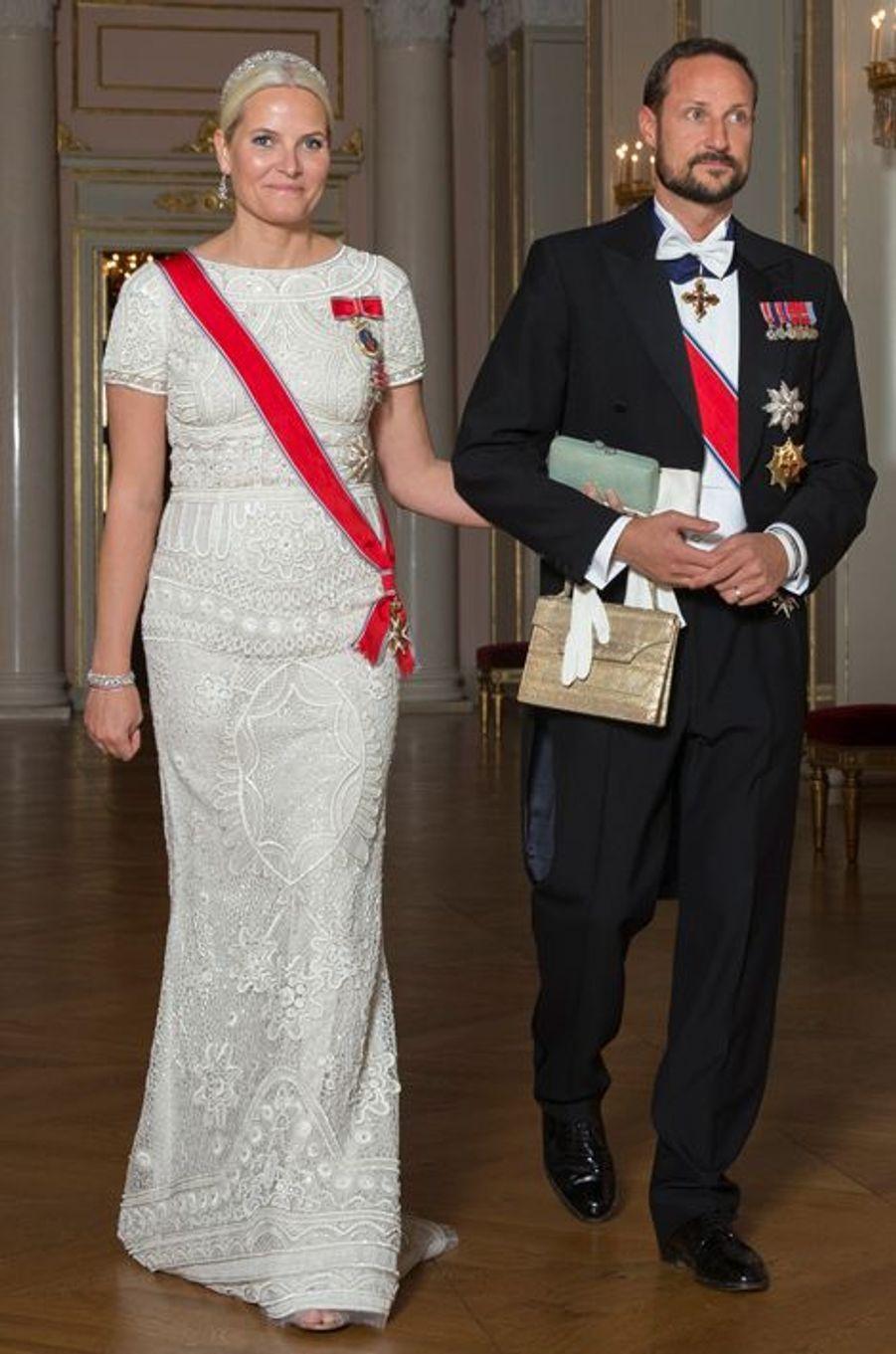 La princesse Mette-Marit et le prince Haakon de Norvège au Palais royal à Oslo, le 22 octobre 2015