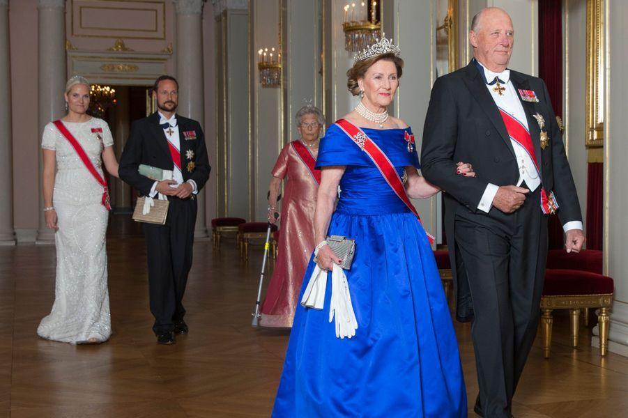 La reine Sonja et le roi Harald V de Norvège au Palais royal à Oslo, le 22 octobre 2015