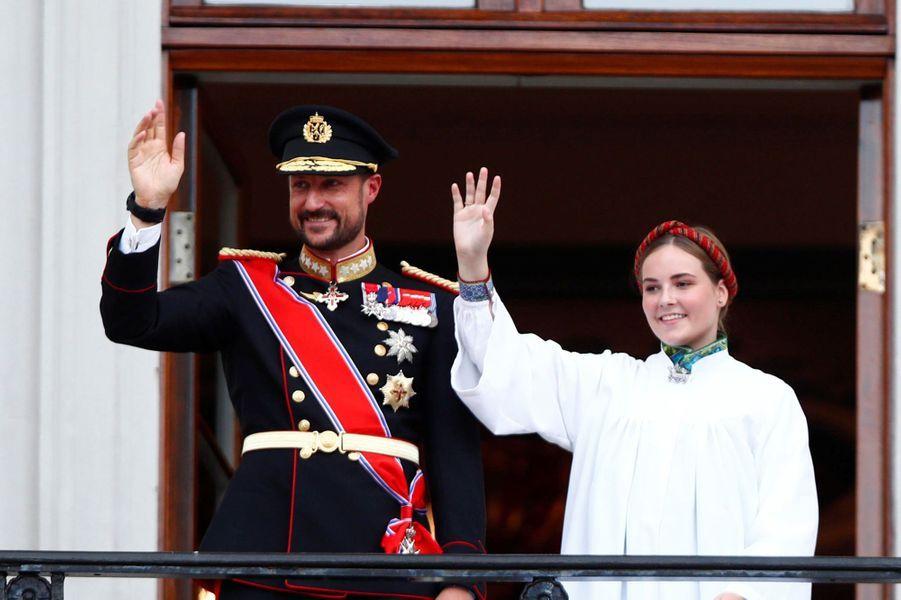 Le prince héritier Haakon de Norvège et sa fille la princesse Ingrid Alexandra à Oslo, le 31 août 2019