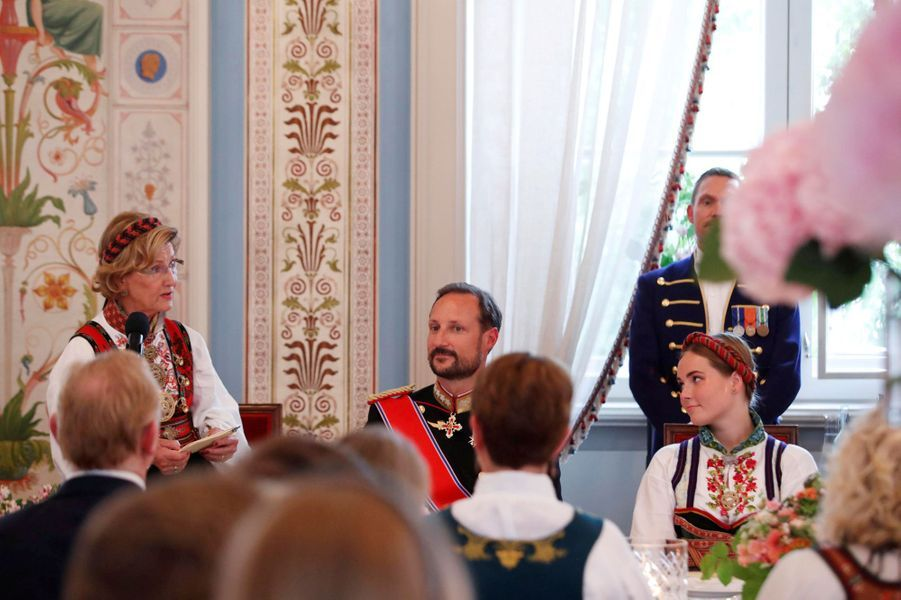La reine Sonja, le prince Haakon et la princesse Ingrid Alexandra de Norvège, à Oslo le 31 août 2019
