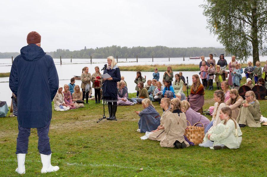 La princesse Mette-Marit et le prince Haakon de Norvège à Fetsund, le 16 septembre 2015