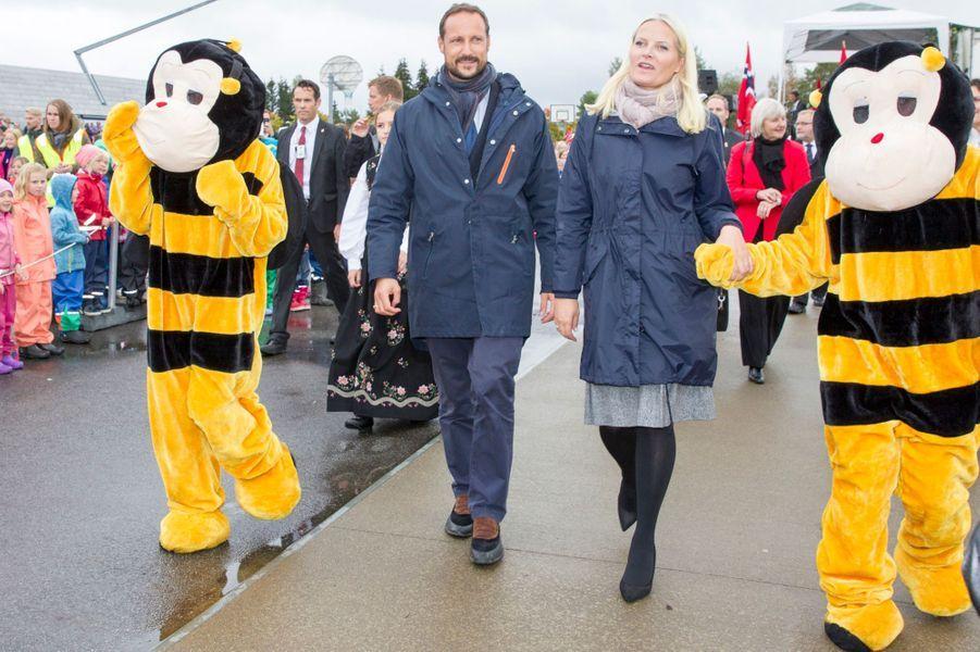 La princesse Mette-Marit et le prince Haakon de Norvège à Gjerdrum, le 16 septembre 2015