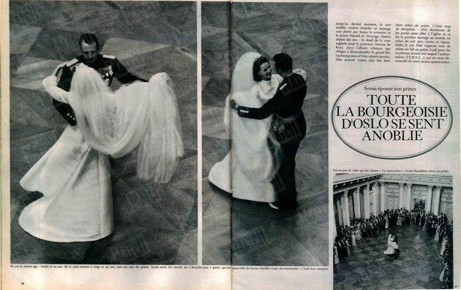 «Ils ont le même âge : trente et un ans. Ils se sont connus à vingt et un an, chez un ami du prince. Sonja avait été invitée en bouche-trou parce qu'une jeune fille de bonne famille s'était décommandée : c'était leur destinée. Sur un pas de valse qui lui chante « Tu seras reine », Sonia Haraldsen entre au palais.»Paris Match n°1009, daté du 7 septembre 1968