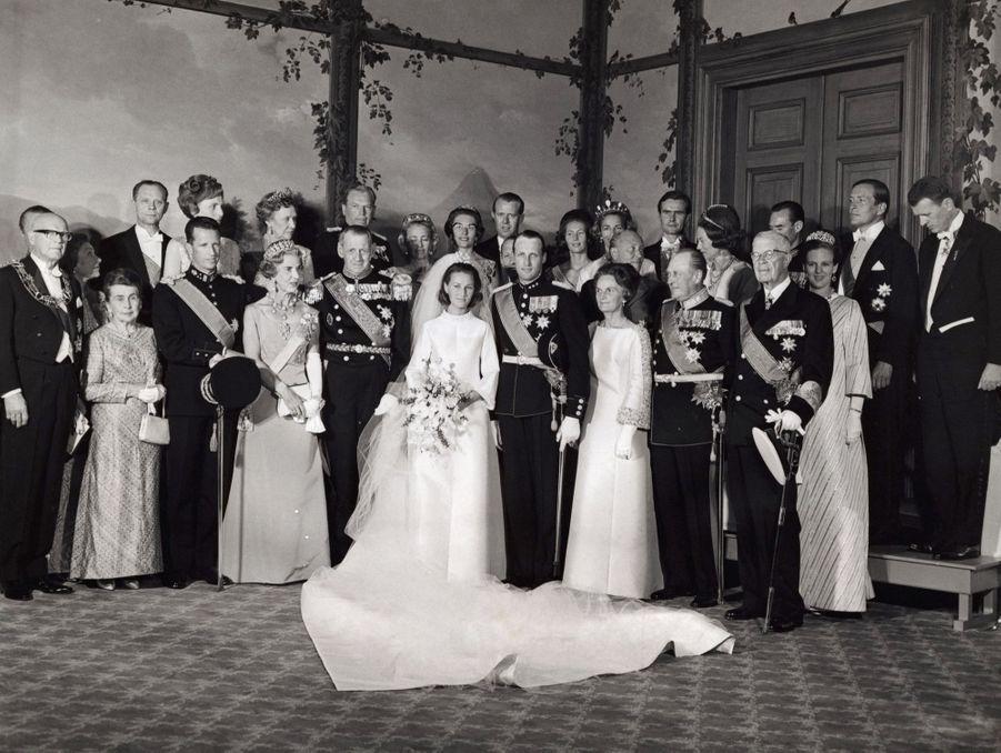 Le mariage d'Harald et Sonja au palais royal d'Oslo, le 28 août 1968.
