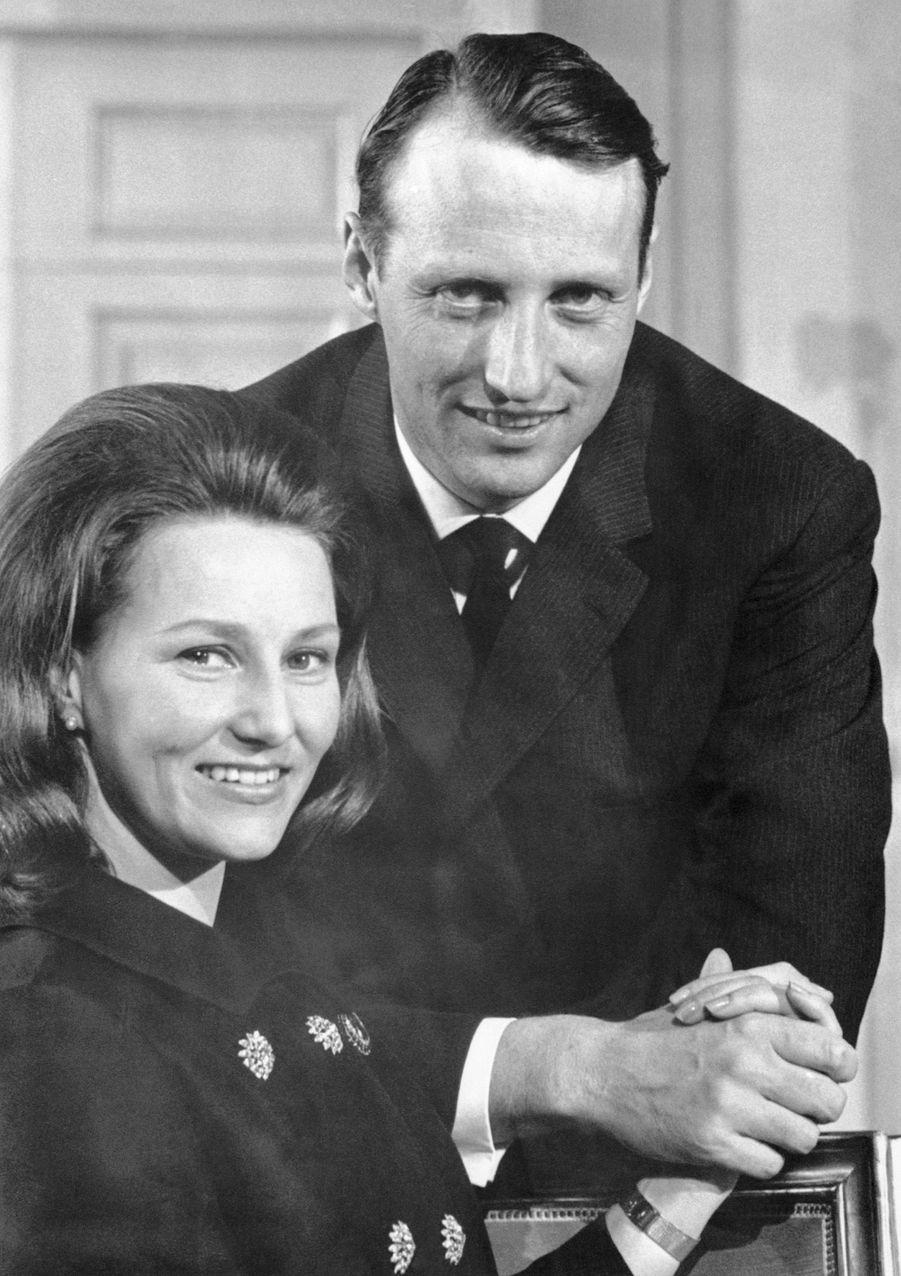 Harald et Sonja annoncent leurs fiançailles, le 20 mars 1968.