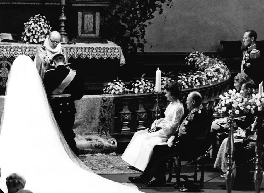 Le mariage d'Harald et Sonja à la Cathédrale d'Oslo, le 28 août 1968.