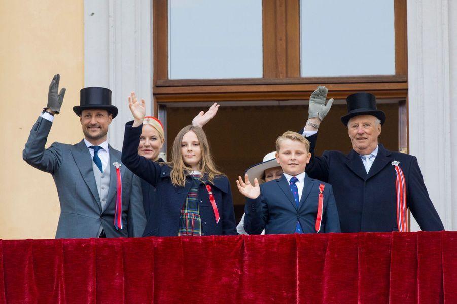 La famille royale de Norvège à Oslo, le 17 mai 2017