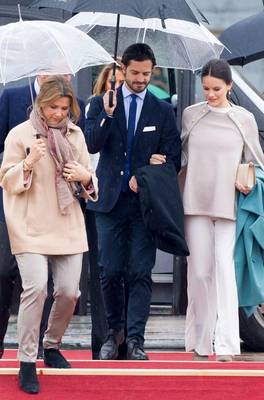 La princesse Märtha Louise de Norvège, le prince Carl Philip et la princesse Sofia de Suède à Oslo, le 10 mai 2017