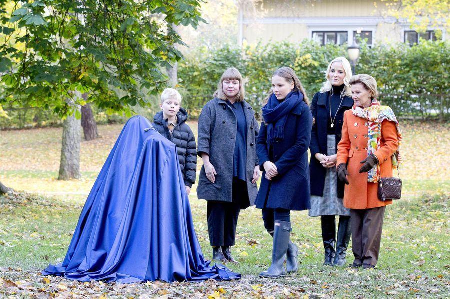 La princesse Ingrid Alexandra, la princesse Mette-Marit et la reine Sonja de Norvège à Oslo, le 19 octobre 2017