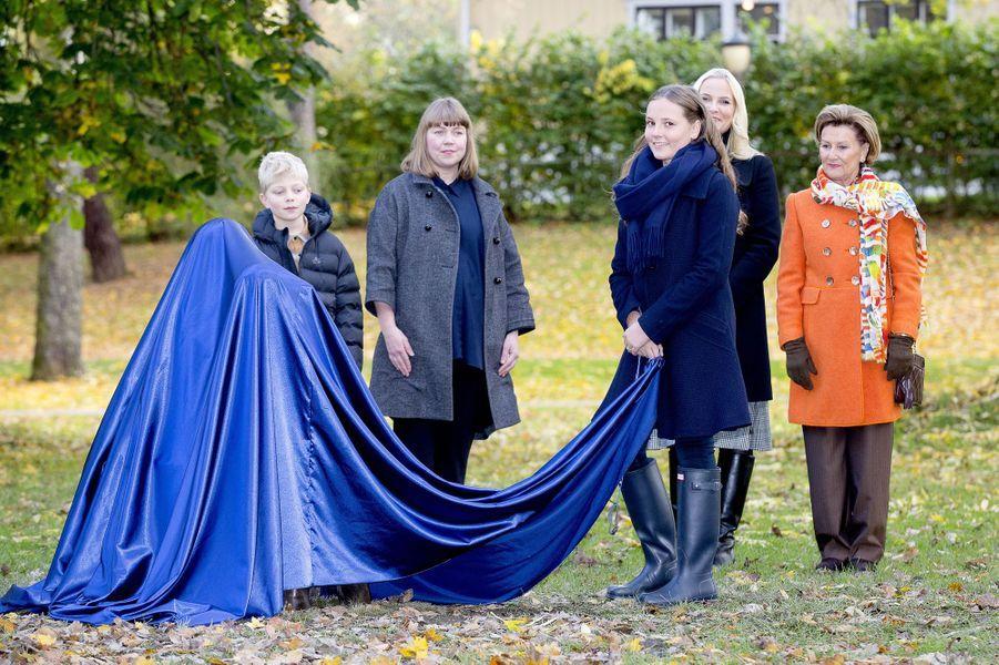 Les princesses Ingrid Alexandra et Mette-Marit et la reine Sonja de Norvège à Oslo, le 19 octobre 2017