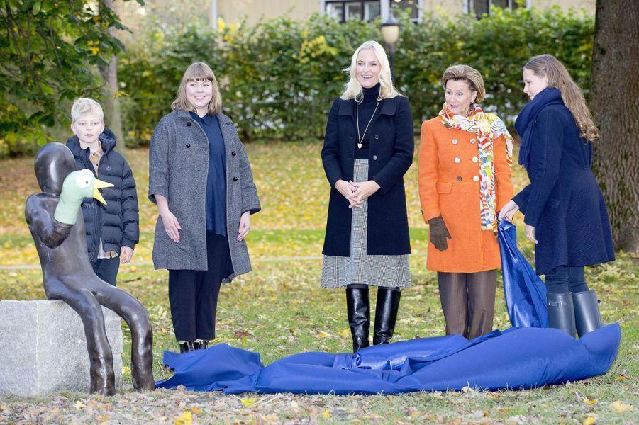 La princesse Mette-Marit, la reine Sonja et la princesse Ingrid Alexandra de Norvège à Oslo, le 19 octobre 2017