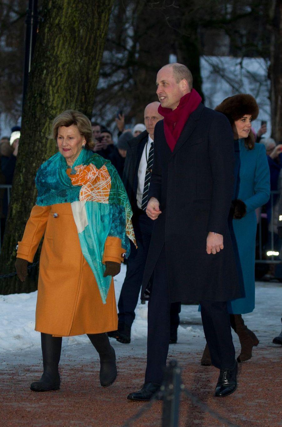 La duchesse de Cambridge et le prince William avec la reine Sonja de Norvège à Oslo, le 1er février 2018