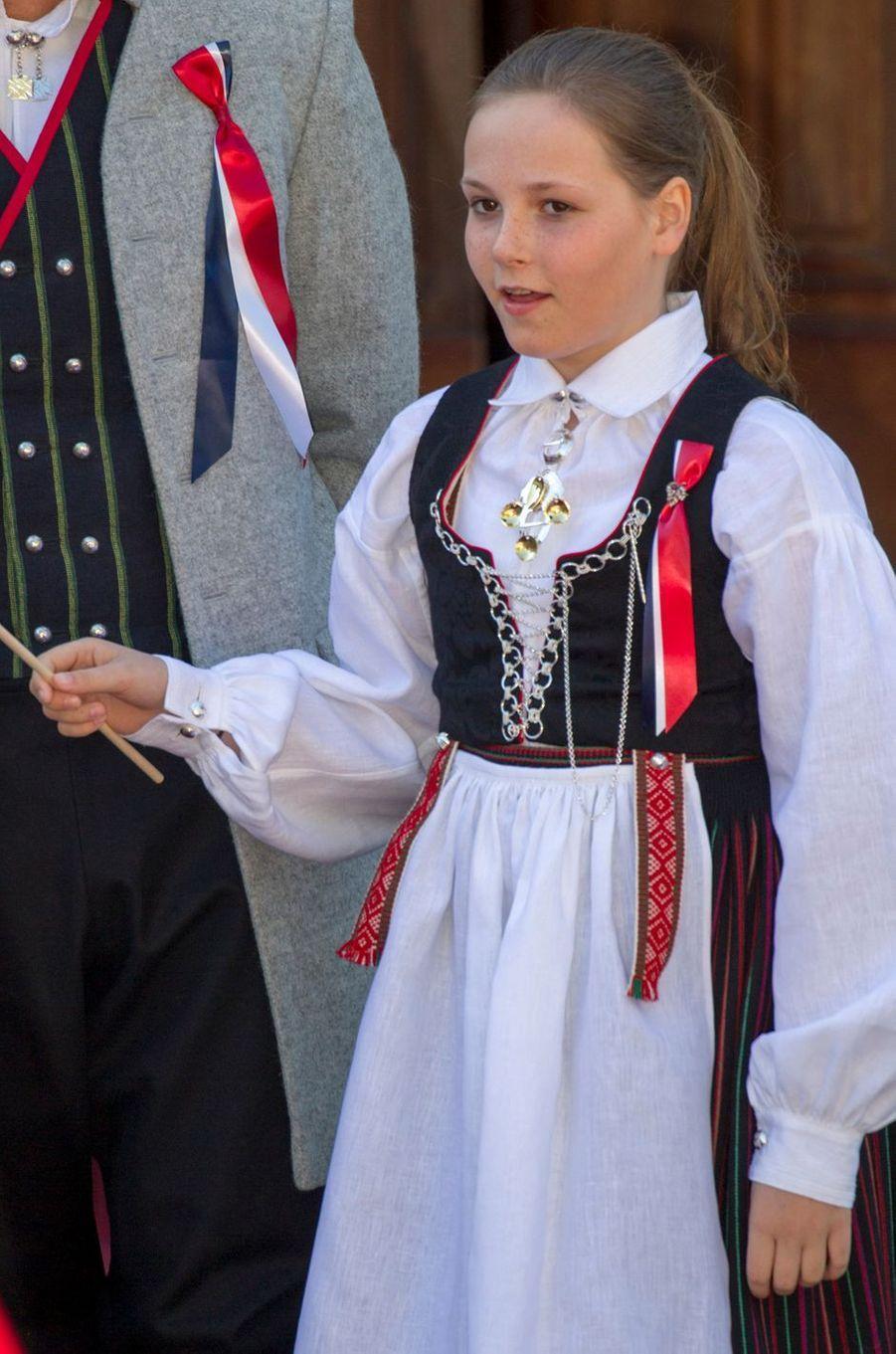 La princesse Ingrid Alexandra de Norvège à Skaugum, le 17 mai 2016