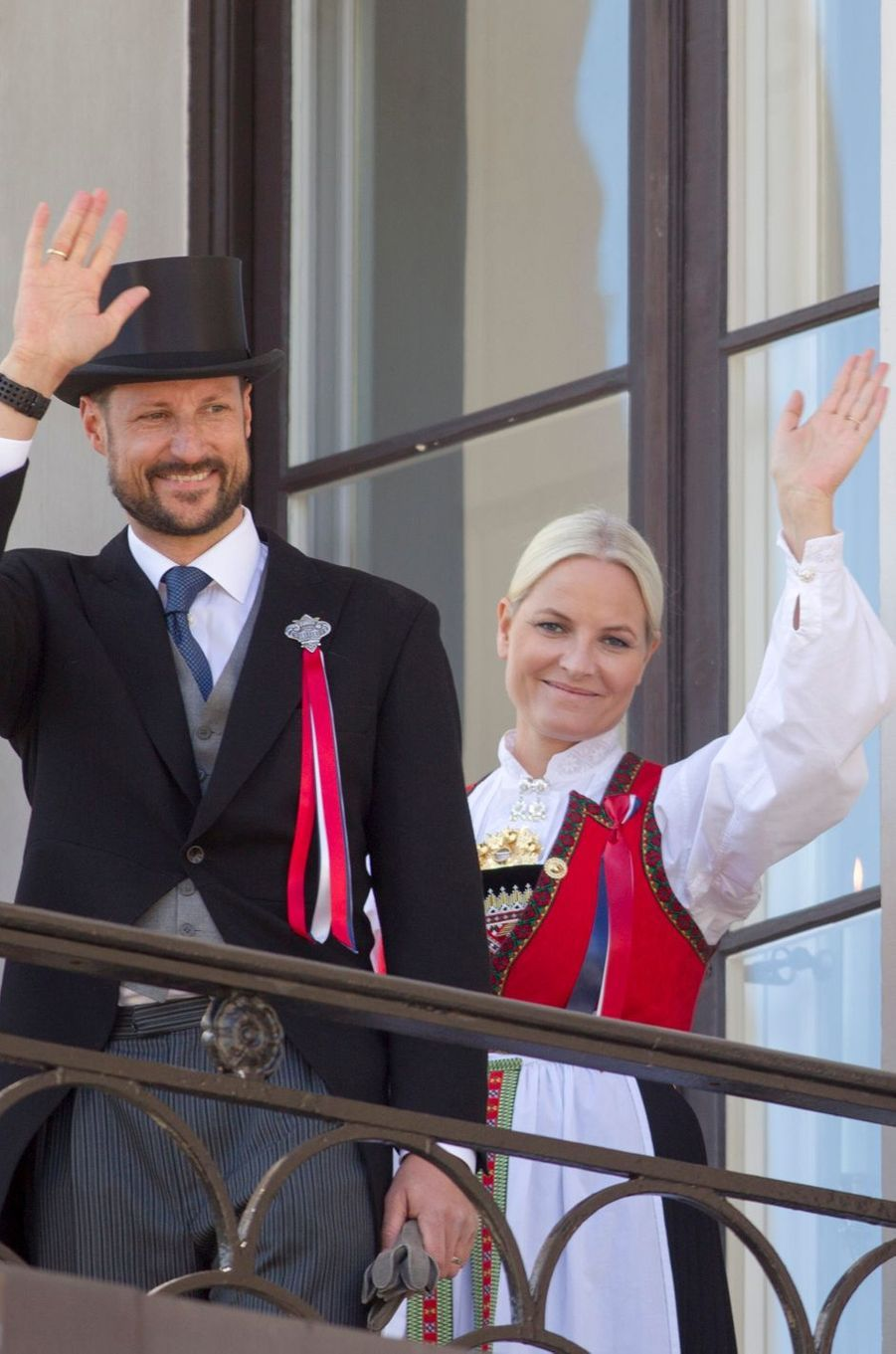La princesse Mette-Marit et le prince Haakon de Norvège à Oslo, le 17 mai 2016