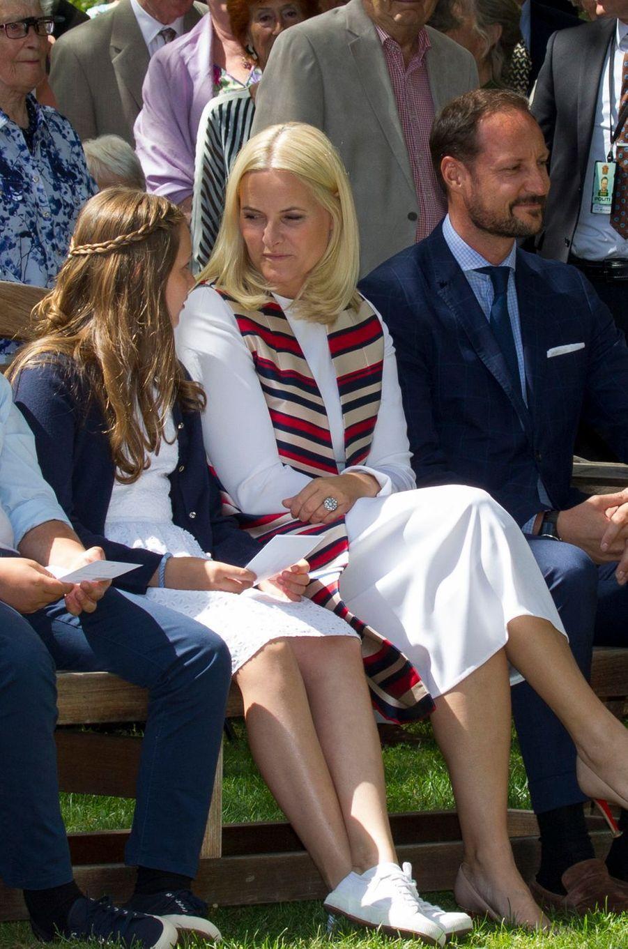 Les princesses Ingrid Alexandra et Mette-Marit et le prince Haakon de Norvège à Oslo, le 4 juillet 2017