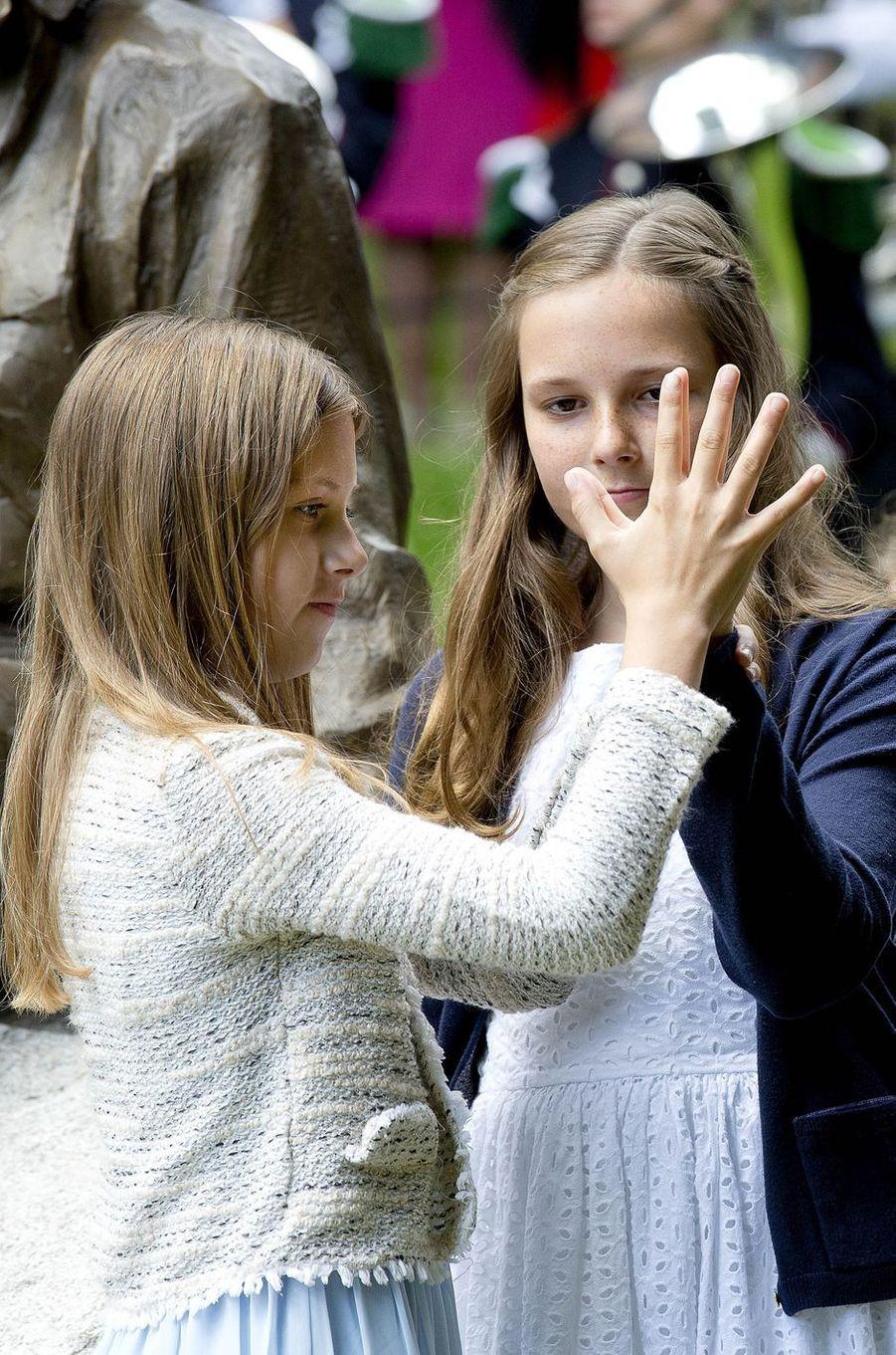 La princesse Ingrid Alexandra de Norvège et Leah Isadora Behn à Oslo, le 4 juillet 2017