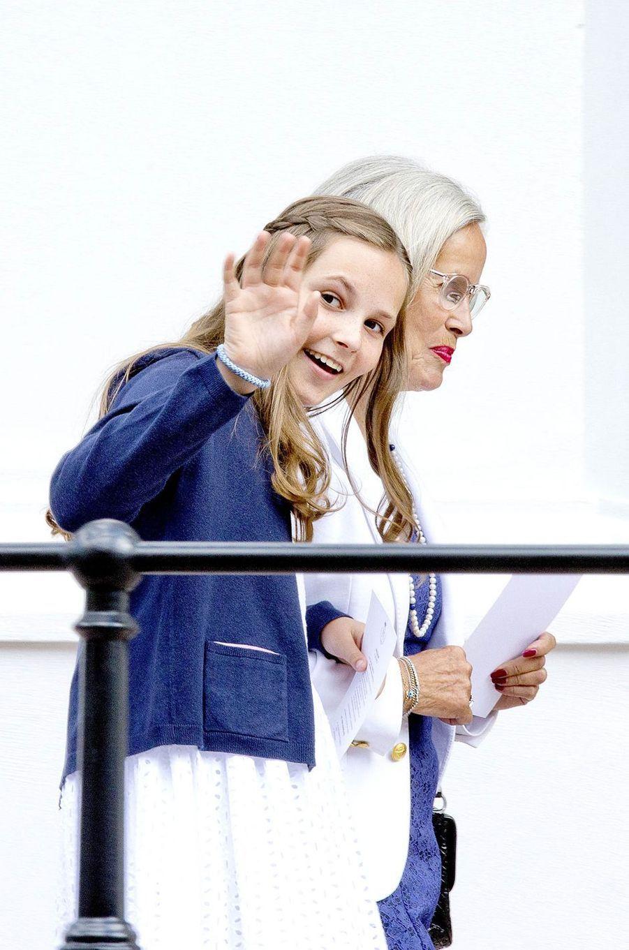 La princesse Ingrid Alexandra de Norvège et sa grand-mère maternelle à Oslo, le 4 juillet 2017
