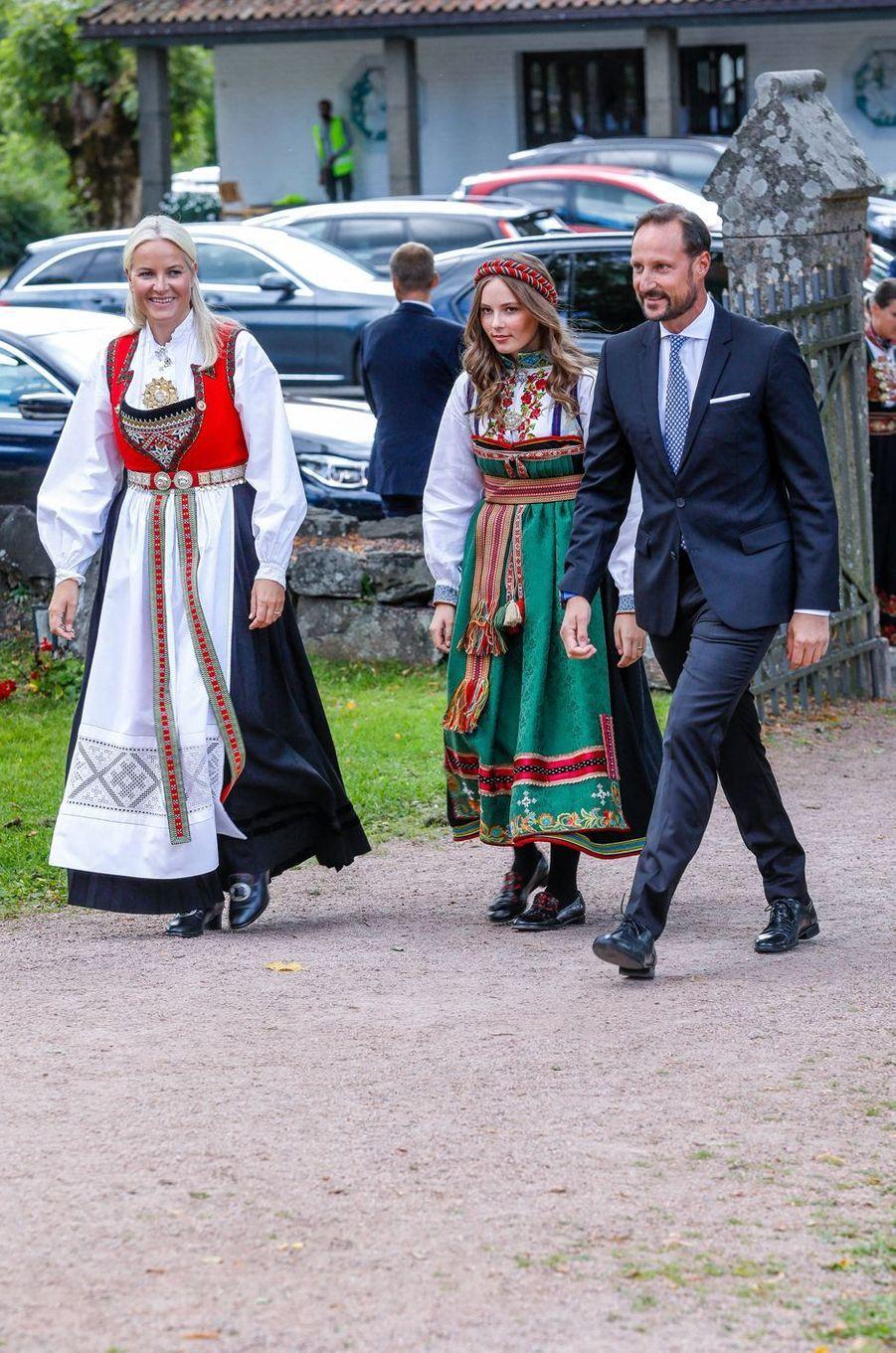 Les princesses Mette-Marit et Ingrid Alexandra et le prince Haakon de Norvège à Asker, le 5 septembre 2020