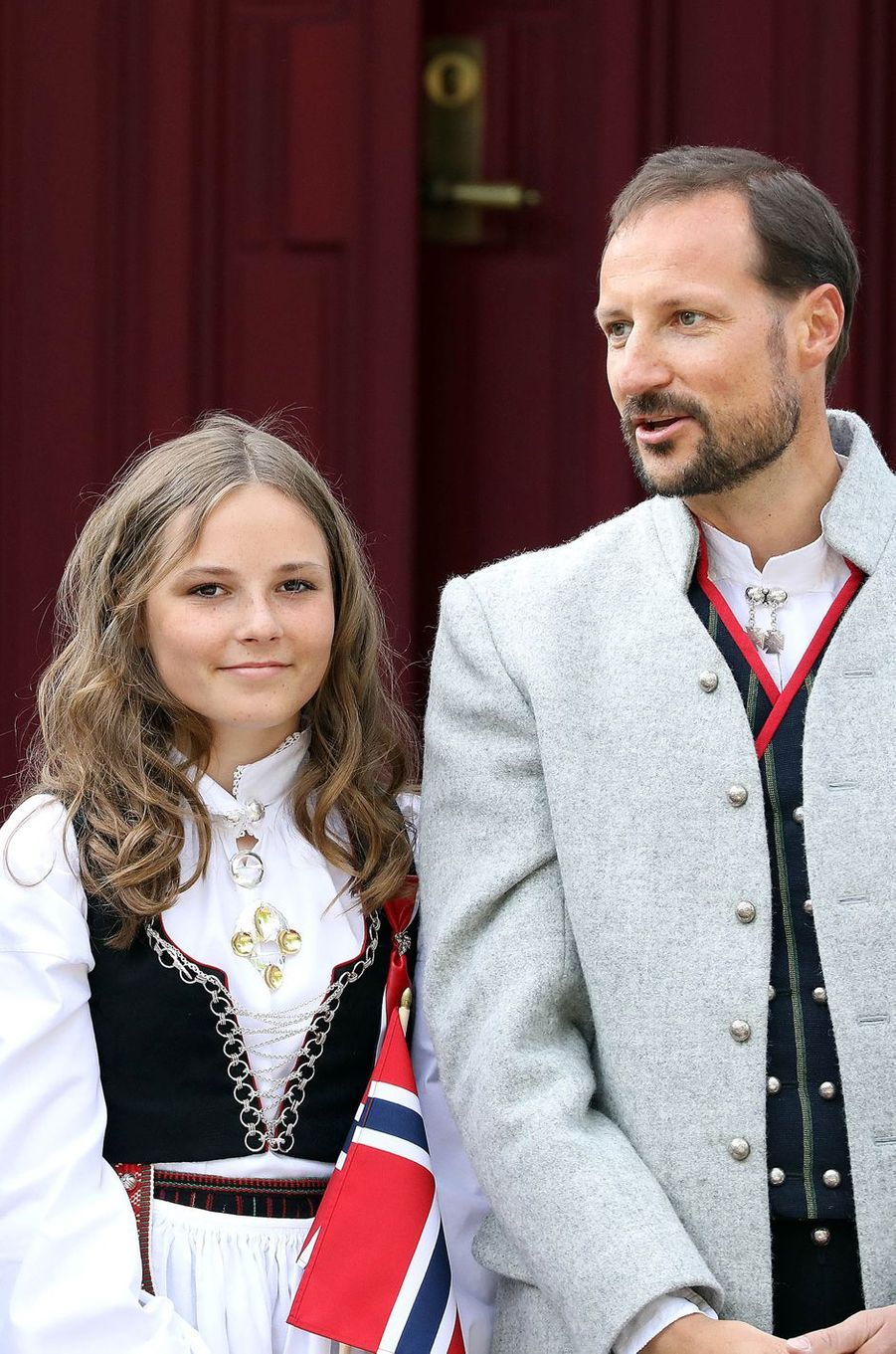 La princesse Ingrid Alexandra et le prince Haakon de Norvège à Asker, le 17 mai 2018