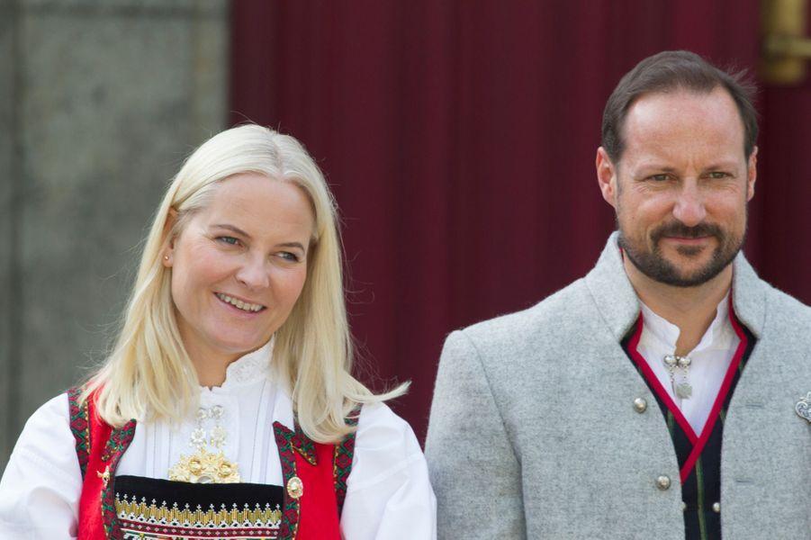 La princesse Mette-Marit et le prince Haakon de Norvège à Asker, le 17 mai 2019