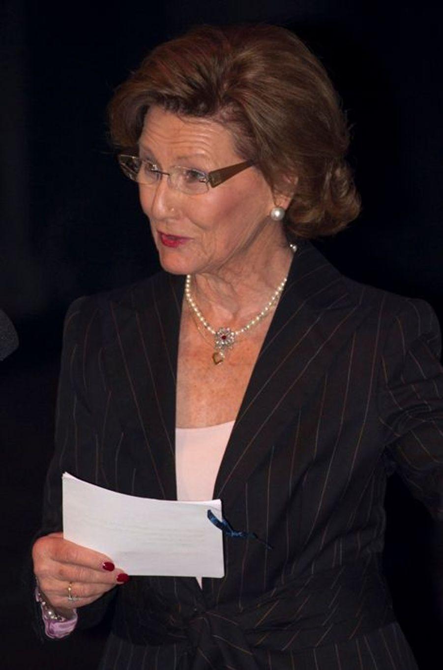 La reine Sonja de Norvège au Musée olympique norvégien à Lillehammer, le 11 février 2016