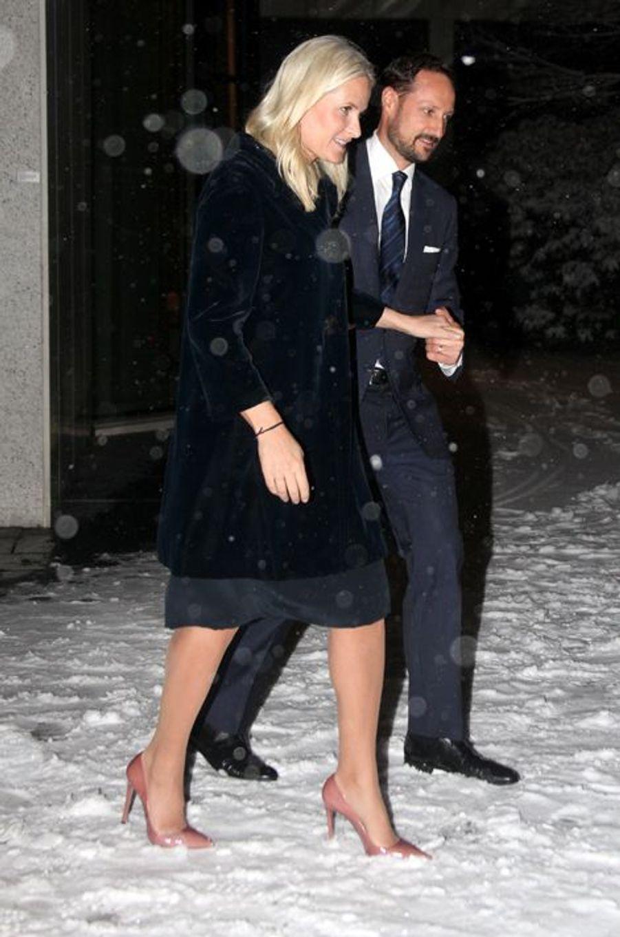 La princesse Mette-Marit et le prince Haakon de Norvège devant le musée Munch à Oslo, le 5 février 2016