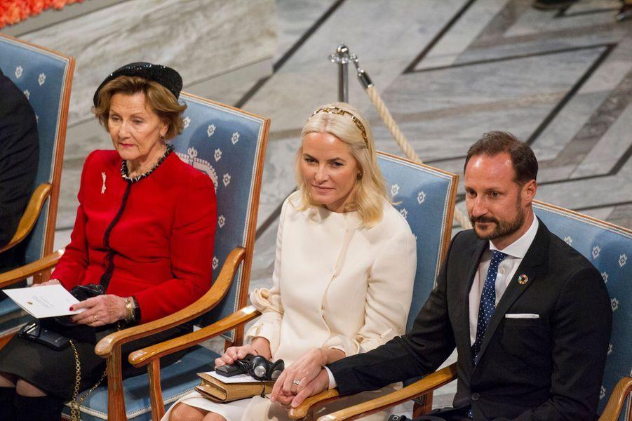 La reine Sonja, la princesse Mette-Marit et le prince Haakon de Norvège à Oslo, le 10 décembre 2019