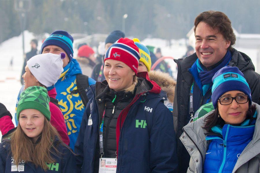 Les princesses Mette-Marit et Ingrid Alexandra de Norvège à Lillehammer, le 13 février 2016