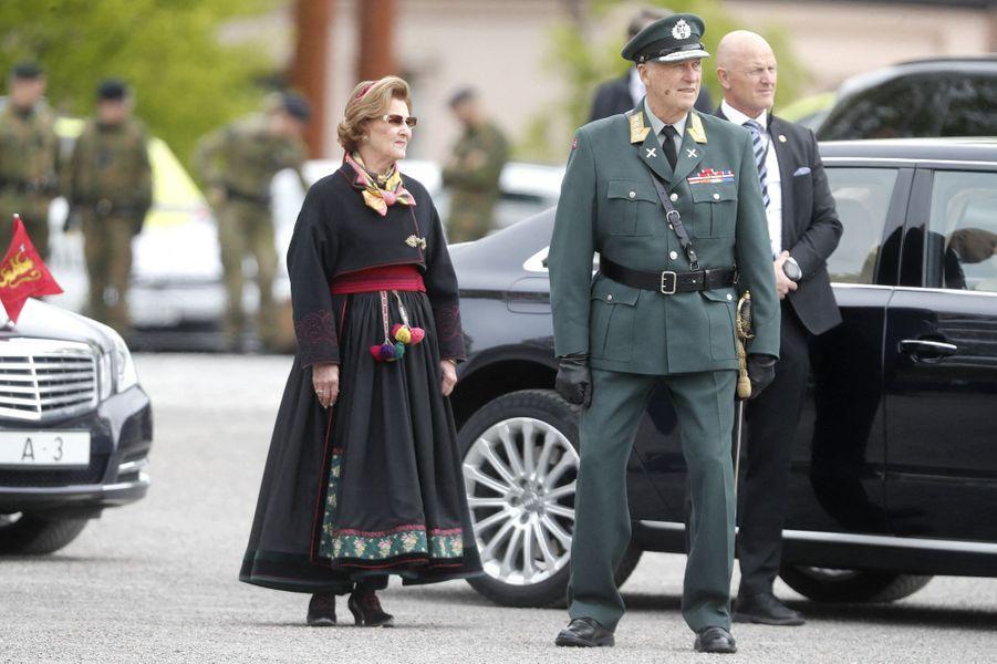 La reine Sonja et le roi Harald V de Norvège à Oslo, le 8 mai 2020